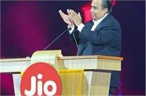 struggling in the telecom industry by knocking on jio