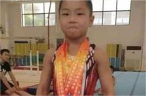 7 year old chinese kid with perfect 8 pack abs