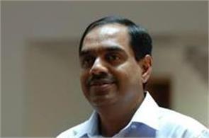 nilekani should remain in info for 2 3 years  balakrishnan