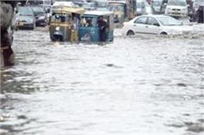 11died as monsoon rains continue to lash karachi