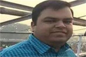 bihar s dm commits suicide in ghaziabad