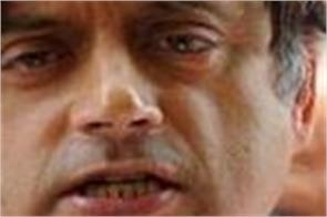 government attitude about rohingya is unacceptable tharoor