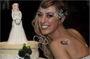 italian fitness instructor  marries herself