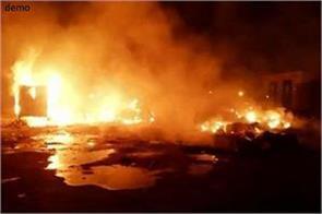 4 people killed in firecracker shop in tamil nadu