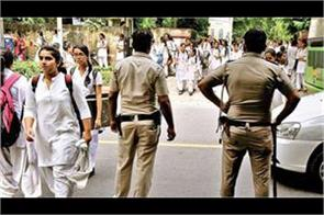 delhi police raises awareness about students