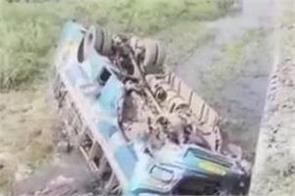 6 people died when a bus fell into a canal in west bengal