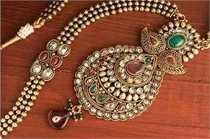 gold silver prices up on buying in jewelery