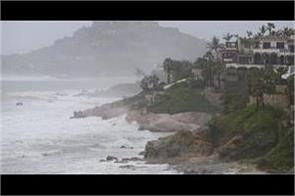the hurricane knocked on the coast of mexico