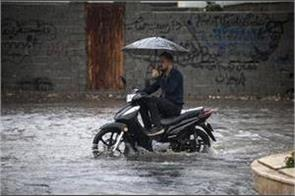 heavy rains in iran 7 people die