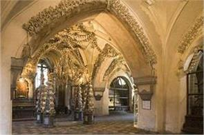 church used bones of 40 000 humans to create terrifyingly beautiful decorations