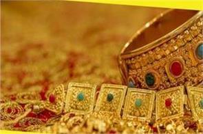 pre dhanterashigh prices cash crunch take sheen off gold this season