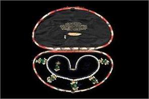 maharaja ranjit singh s wife necklace auctioned for rs 1 17 crore