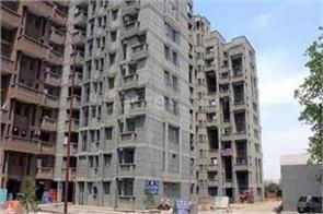 delhi lift of building under construction in narela area 4 workers die