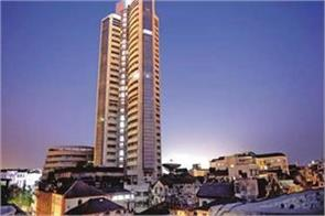 sensex up 125 points nifty crosses 10600