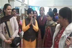 trupti desai landed in kerala to go to sabarimala hanged at the airport