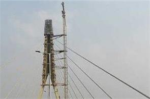 one man died another injured in an accident at signature bridge