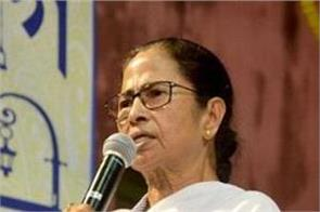 mamata says media must always report the truth