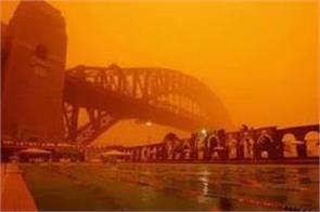 300 mile wide dust storm descends on sydney shrouding