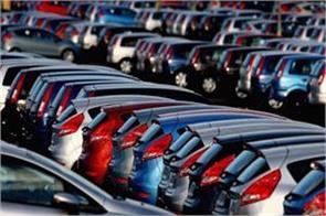 car sales flat in oct pvs up 1 55 pc
