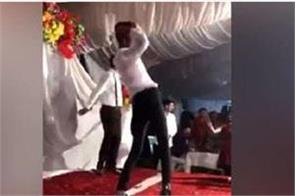 guy electrifying performance on dilbar song video is going viral