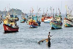 sri lankan navy dragged 2 500 indian fishermen away