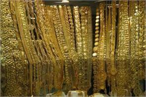 gold firms up by rs 125 per 10 gm silver remains flat