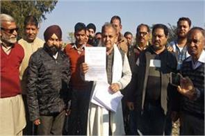 ex minister babu singh will protest against kathua adm on 2 jan