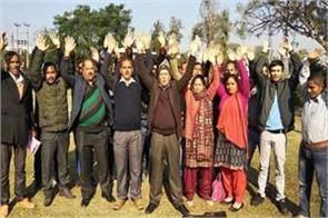 protest against dalit girl murder in agra at kathua
