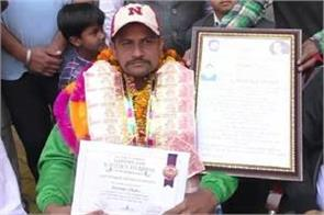 disable surender made record in swimming by 120 hours swimming
