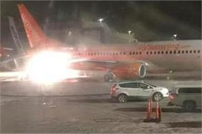 planes collide on toronto airport tarmac
