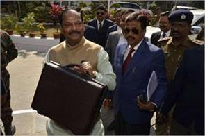 chief minister proposed budget of rs 80 crore between the opposition ruckus