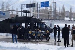 avalanche in turkey 2 soldiers die