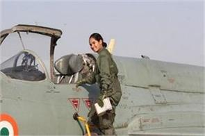 avni chaturvedi becomes the first indian woman to fly a fighter jet