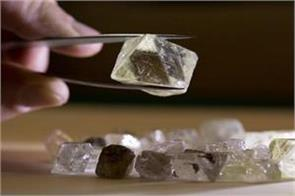government traders surprised by hike in import of cut diamond