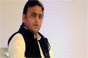 samajwadi party gets bigger blow 21 mps of samajwadi assembly resign