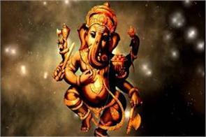 such image of ganesh ji is adversely affecting the house shop