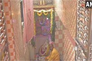 muslim youth rebuilding karaya hanuman temple