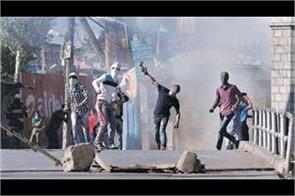 clashes erupt in sopore after jumma namaz