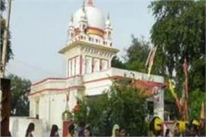 in chhatarpur maa kali gives a glimpse of 3 forms in one day