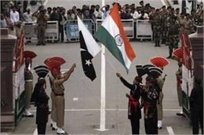 indian diplomat joined for the first time in pakistan day parade
