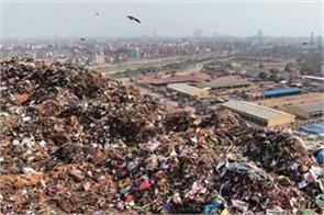 similar to the time bomb the mountain of litter becoming increasingly high