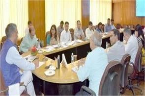 chief minister meets with officials in secretariat