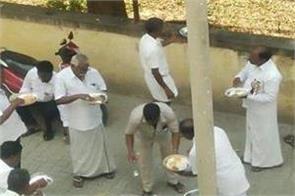 aiadmk leaders eat food in hunger strike