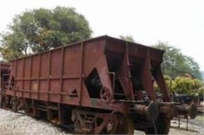 six coaches of a train running without engine in odisha