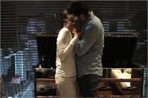 mahesh babu kiss with wife namrata photo viral