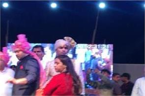 rapid rage in the marriage of sharad pratap uncontrolled crowd looted food
