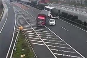 china world s worst driver stops car in the middle of busy highway