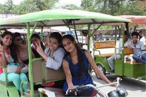 e rickshaw no entry in du campus