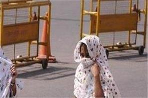 temperature hot in delhi