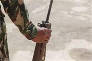 rifle snatching bid foiled in kulgam